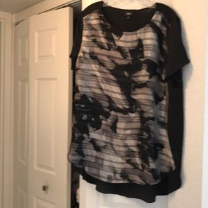Mossimo XL Black Pattered Front Longer Back Top